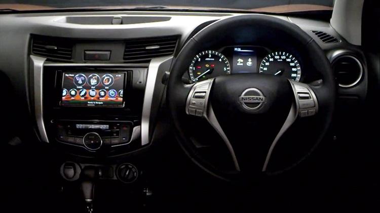 2016 Nissan Navara interior