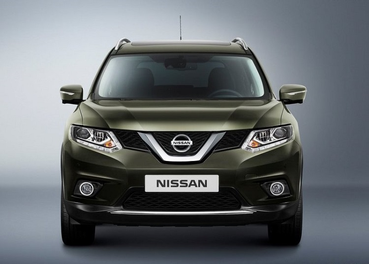 2016 Nissan x-trail front view