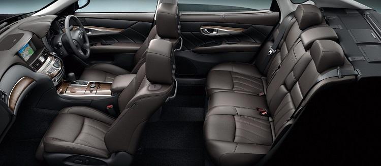 2015 Nissan Cima interior