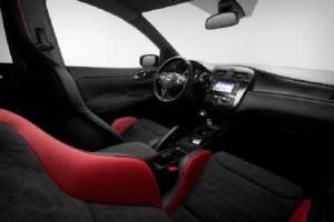 2016 Nissan Pulsar Nismo interior