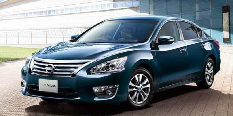 2016 Nissan Teana front view