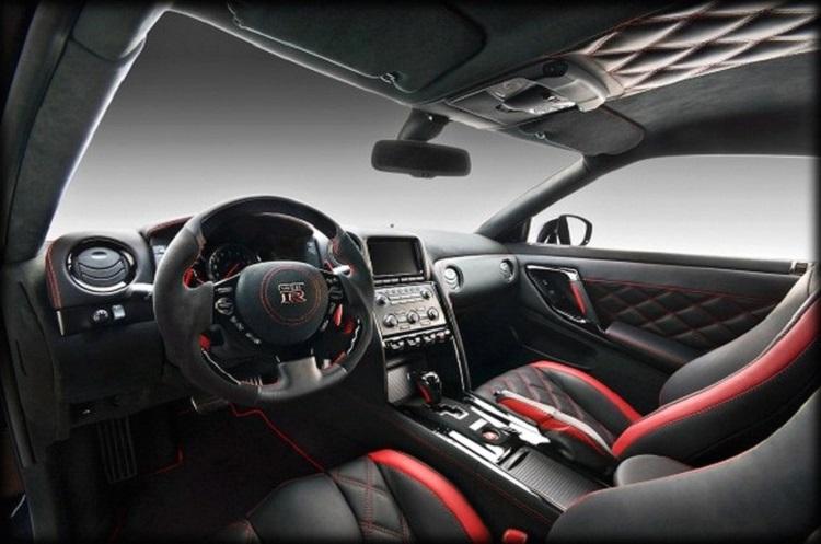 2017 Nissan GT-R nismo interior