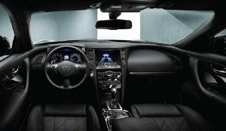 2018 Infiniti Q70 interior