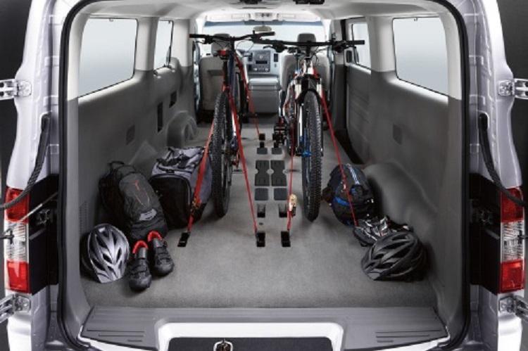 2016 nissan nv passenger rear view
