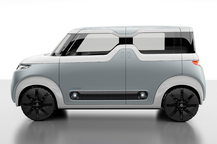 2017 nissan cube side view