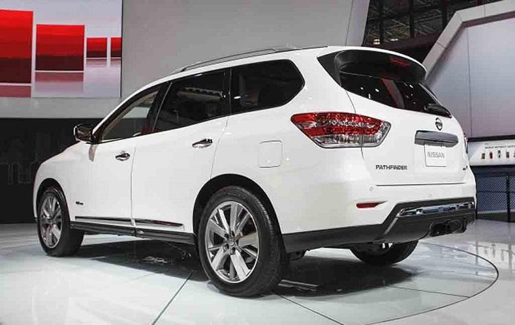 2018 Nissan Pathfinder rear view