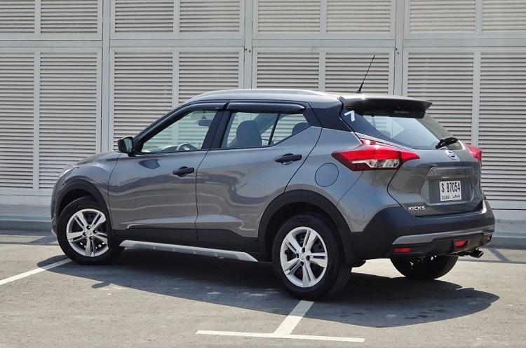 2017 Nissan Kicks rear view