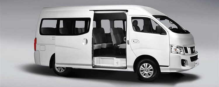 Nissan NV350 Urvan front view