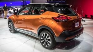 2019 nissan kicks rear view