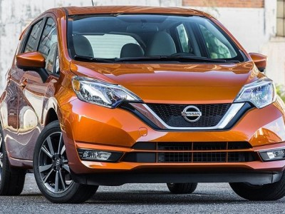 2019 nissan versa note front view