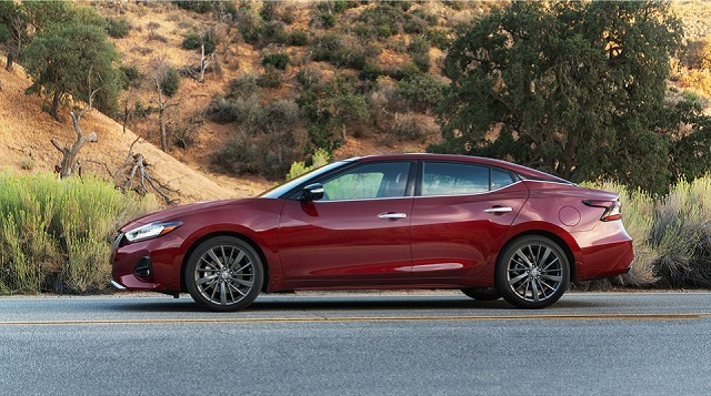 2020 Nissan Maxima side view