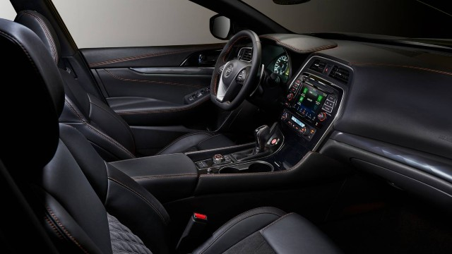 2022 Nissan Maxima interior