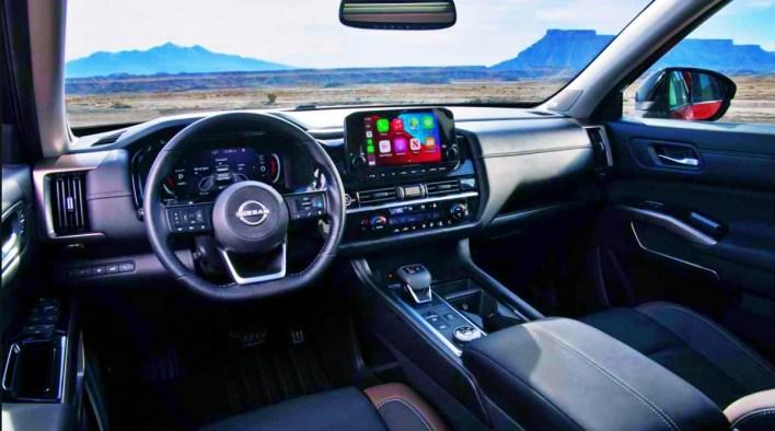 2023 Nissan Pathfinder SL Interior