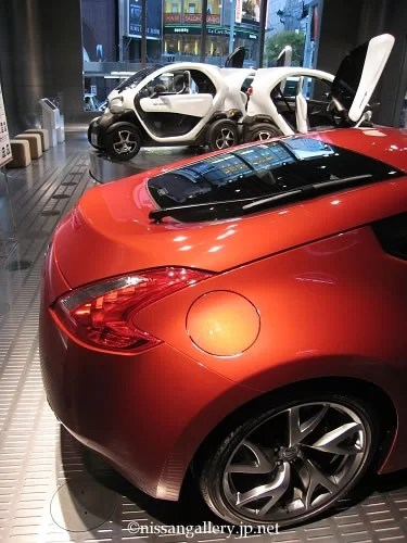 2013年3月29日から4月23日まで、日産銀座ギャラリーではニューモビリティコンセプトとフェアレディZが展示されています。