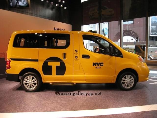日産 NV200 ニューヨーク市タクシー サイドビュー