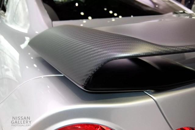 日産GT-R カーボン製リヤスポイラー