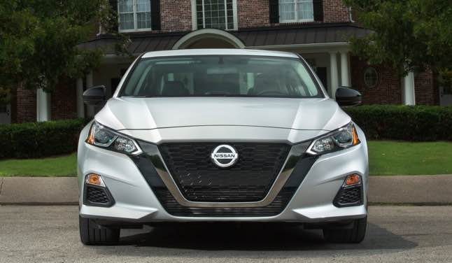 See all altima 2022 interior from U.S. News & World Report