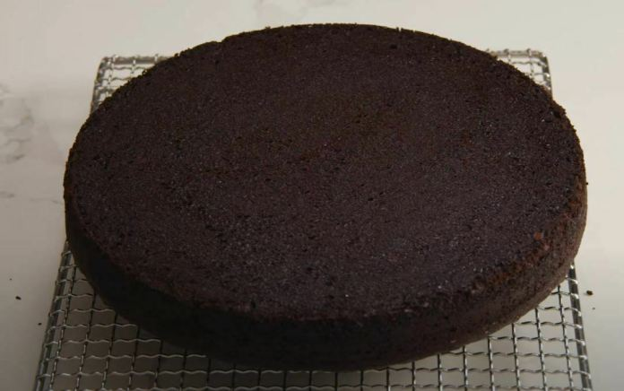 chocolate pan cooling