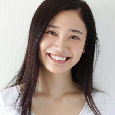 ウルトラマンジードで主人公の幼なじみ 愛崎モア 役を演じた 長谷川 眞優 さんが芸能界を引退を発表 残念ですがお疲れ様でした