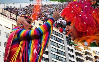 Praia de Icaraí recebe a 15ª Parada do Orgulho LGBTI