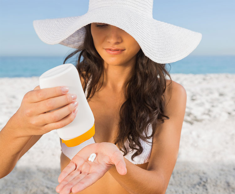 5 Tips to Keep Your Skin Breakout-Free This Summer