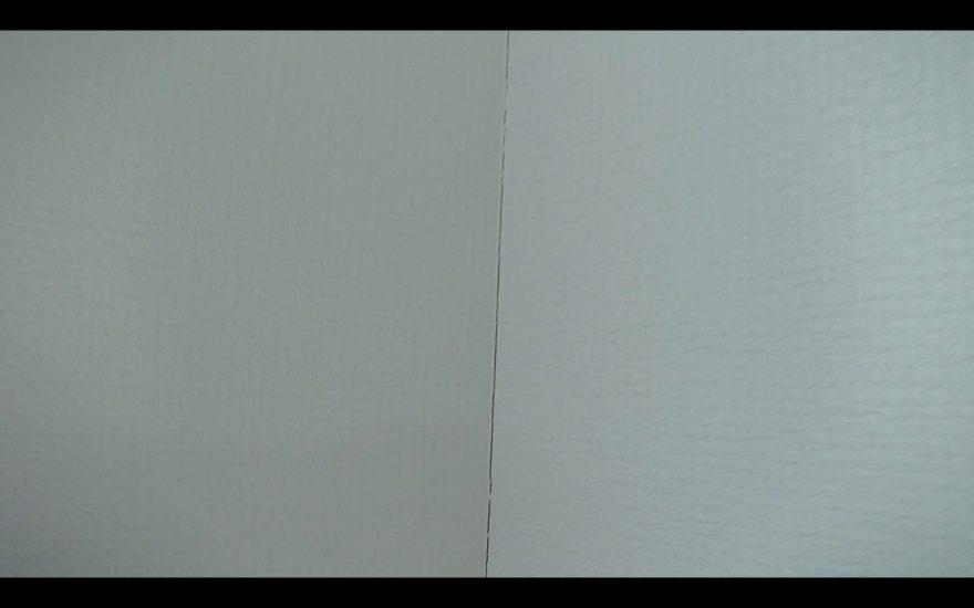 4壁紙補修_破れている壁紙