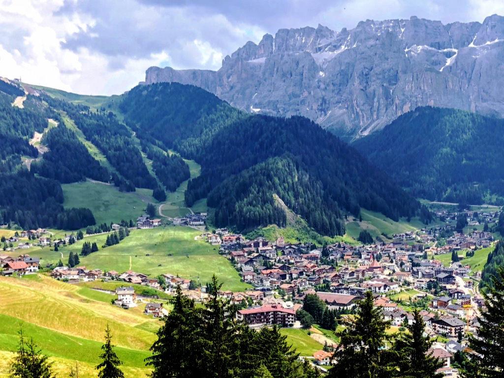 セルヴァ ⇒ ドロミーティ観光の拠点として静かに過ごせる村
