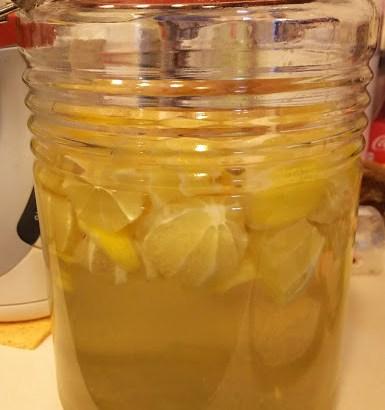 旦那が絶賛!レモン酒を作る!時間をかけてまろやかな味に変化していく~