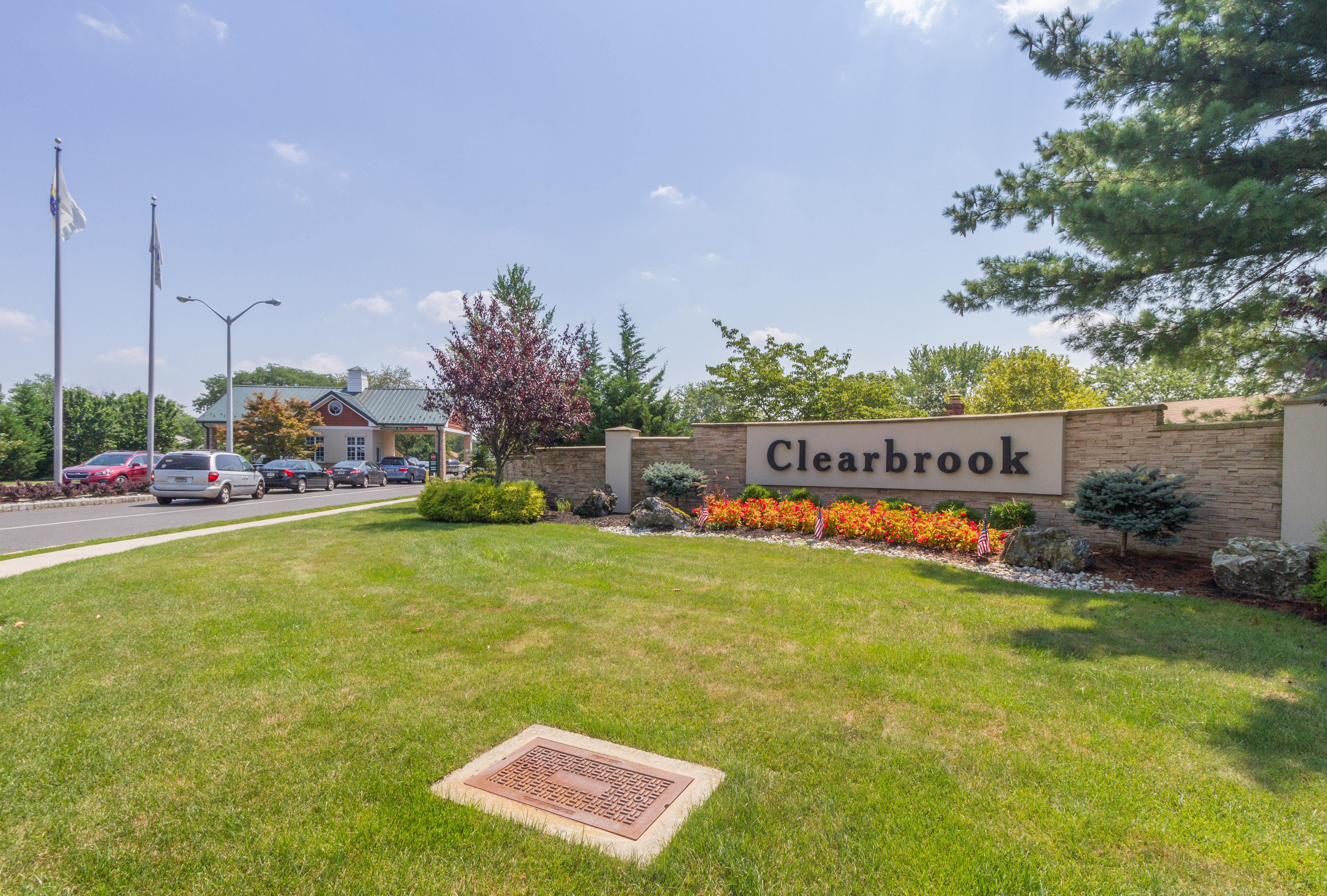 Clearbrook Condos Monroe Entrance