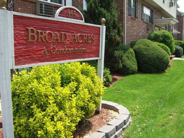 Broad Acres Condos Clifton