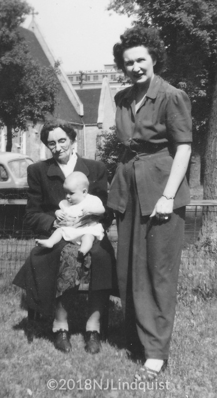 Margaret with Granny Shaw and Nancy