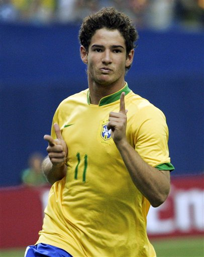 https://i1.wp.com/njmg.typepad.com/photos/uncategorized/2007/08/03/alexandre_pato_the_associated_press.jpg