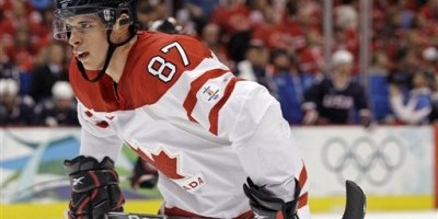 Canada's Sidney Crosby (87) scored the winning goal for Canada in its quest for gold (AP Photo/Matt Slocum)