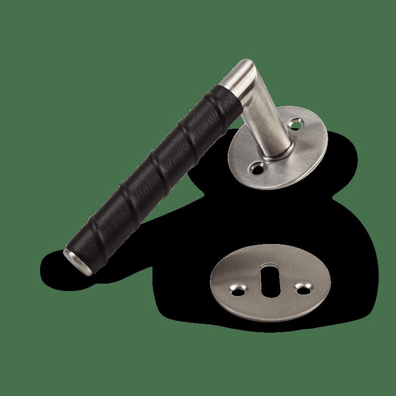 dörrhandtag-kastrup-04-läder-svart-beslag-design