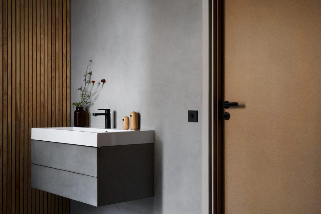 innerdörr-mdf-badrum-design-normann-copenhagen-buster-punch-njord