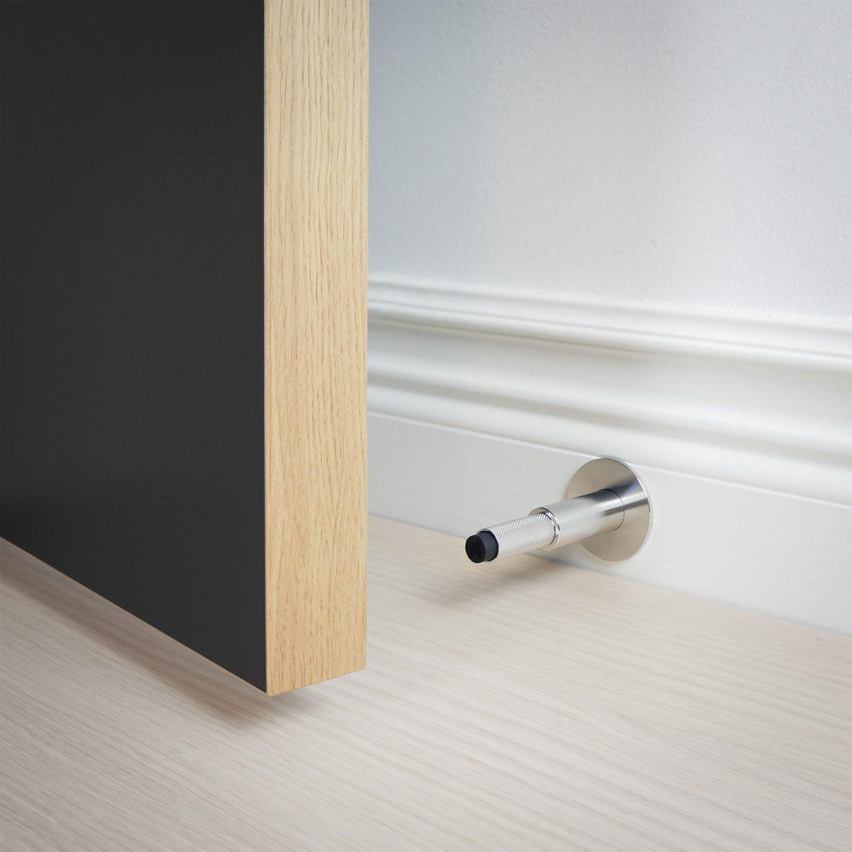 dörrstopp-vägg-dörr-stål-buster-punch-njord