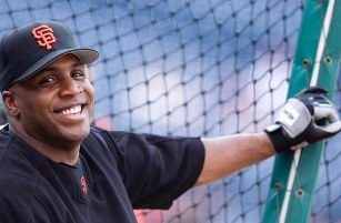 Barry Bonds smiles during batting practice before Saturday's game against the Phillies at Citizens Bank Park. SCOTT ANDERSON / Courier-Post