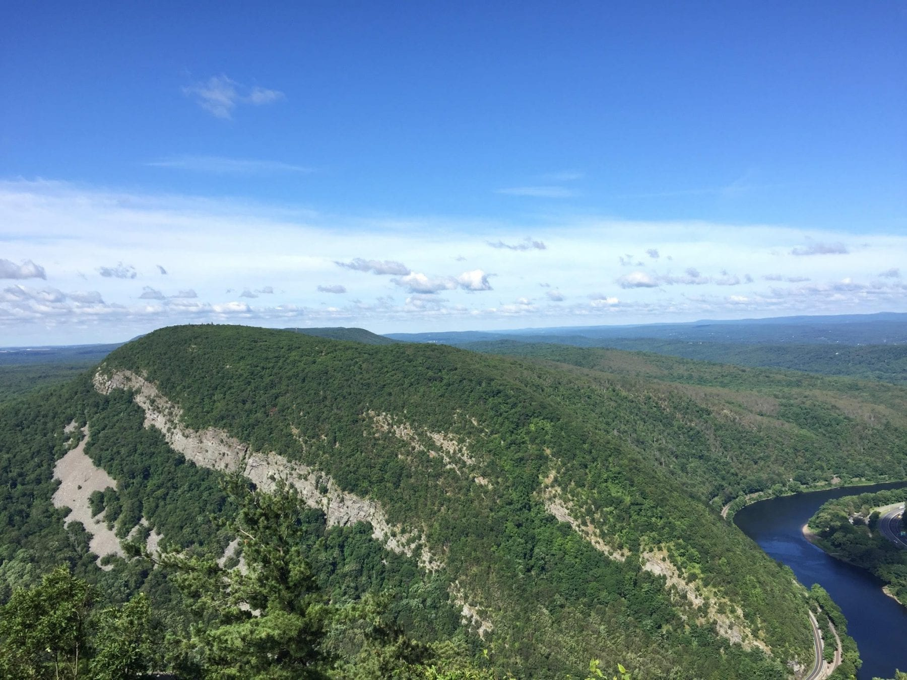 4 Tips for Hiking Mt. Tammany in New Jersey
