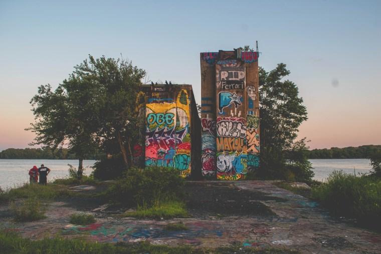 graffiti pier24
