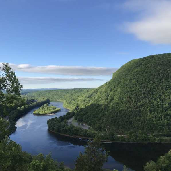 Mount Tammany in New Jersey