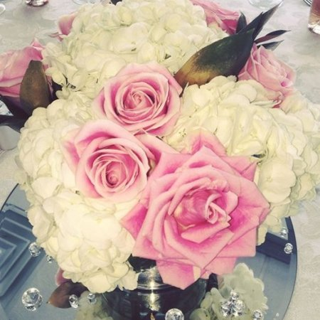 blush centerpiece