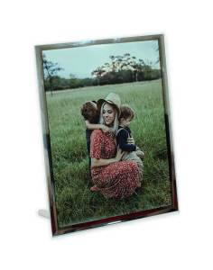 personalized-glass-photo-display