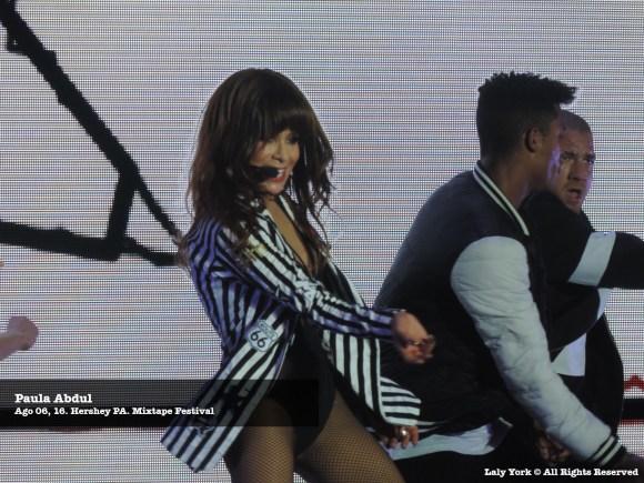 160806 Paula Abdul at Mixtape Festival 07