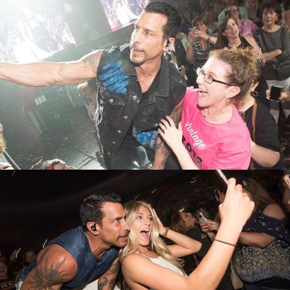 Danny wood taking selfies with fans at the Mixtape Tour