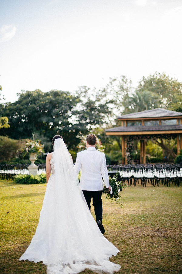 bride and groom at Selby Gardens ceremony