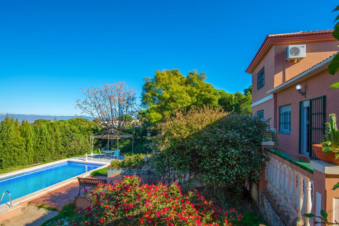 Verlaagd naar 370k alhaurin de la torre huizen te koop for Grote villa