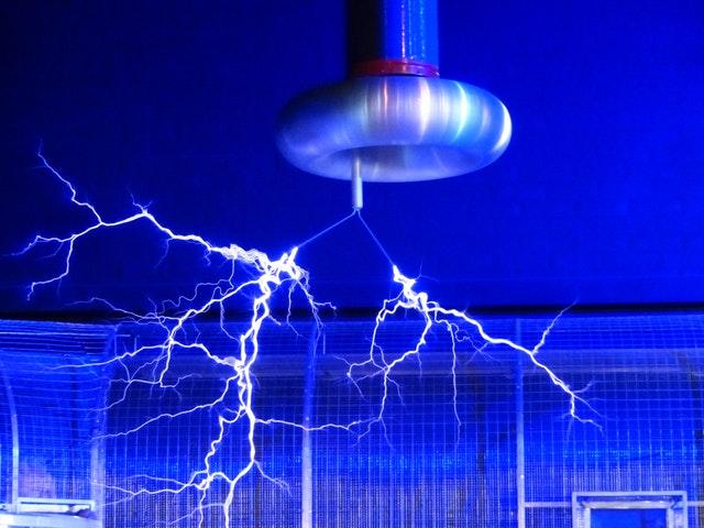 blue-electric-sparks-68173