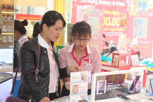 Gia đình Việt thích mua hàng trả góp - Ảnh 1.