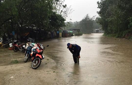 Thừa Thiên - Huế: Lũ trên sông Bồ sẽ vượt đỉnh lịch sử năm 1999 - Ảnh 6.