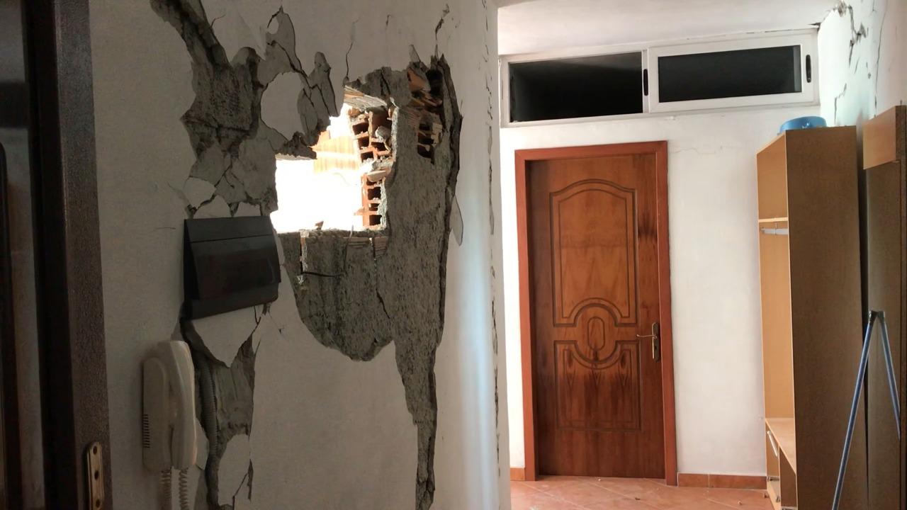 Banorët e prekur nga tërmeti në zonën e Plazhit të Durrësit: S'kemi ku të rrimë